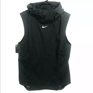 NIKE Alpha Fly Rush Ventilated Football Hood Vest
